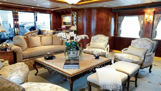 UNBRIDLED-MOTOR-YACHT-CHARTER_3
