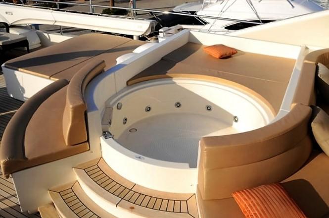 Yacht Robusto (ex PORT GHALIB) - Sundeck Spa Pool