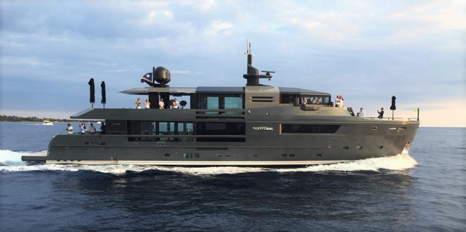 arcadia-yacht-tortoise-exterior