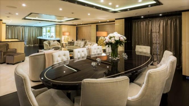 Luxury yacht ELIXIR - Dining area