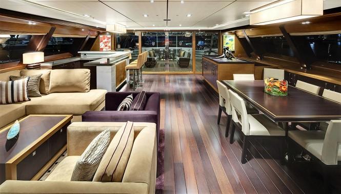 Sailing yacht KOKOMO - Main saloon