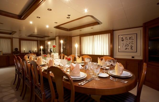 M/Y SEAWOLF - Diningroom