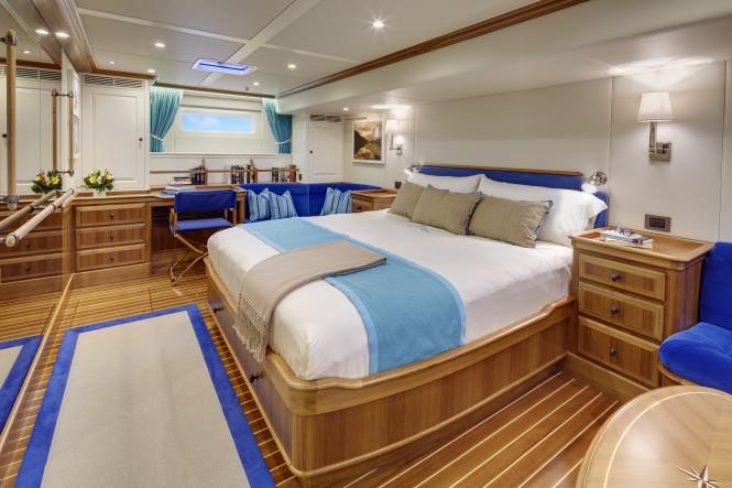 Sailing yacht CYGNUS MONTANUS - Main suite. Image © Matt Crawford