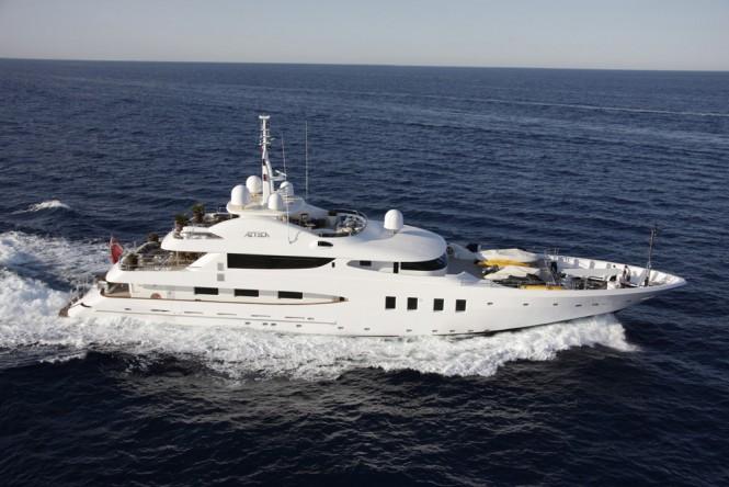 Yacht AZTECA II -  Main