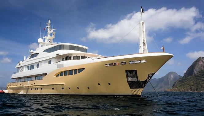 Superyacht JADE 959