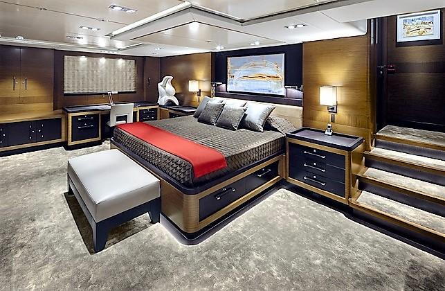 Luxury yacht KOKOMO - Master suite