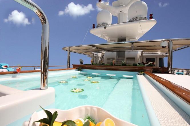 Yacht NOMAD - Sundeck Pool