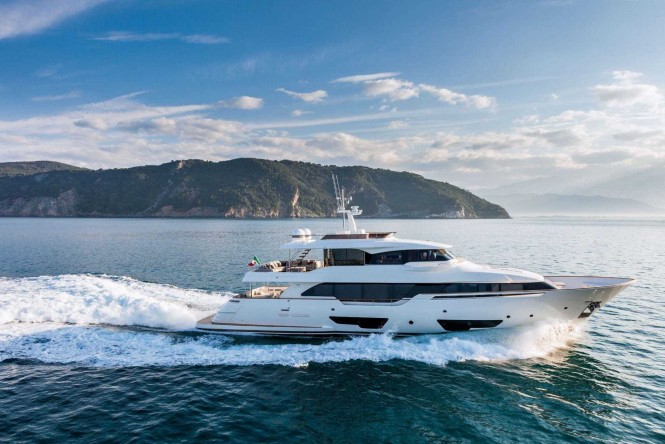 Custom Line Navetta 28 at FLIBS