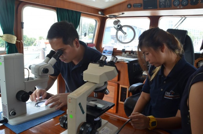 Educational Outreach Program aboard D/Y Lady Jo with the National University of Singapore