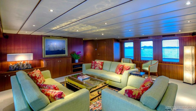 Motor yacht NORTHERN SUN - Main saloon
