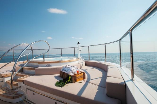 domani-superyacht-jacuzzi