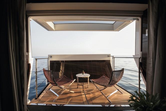domani-yacht-fold-out-balcony