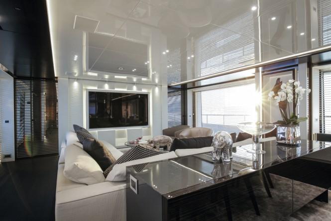 domani-yacht-lounge