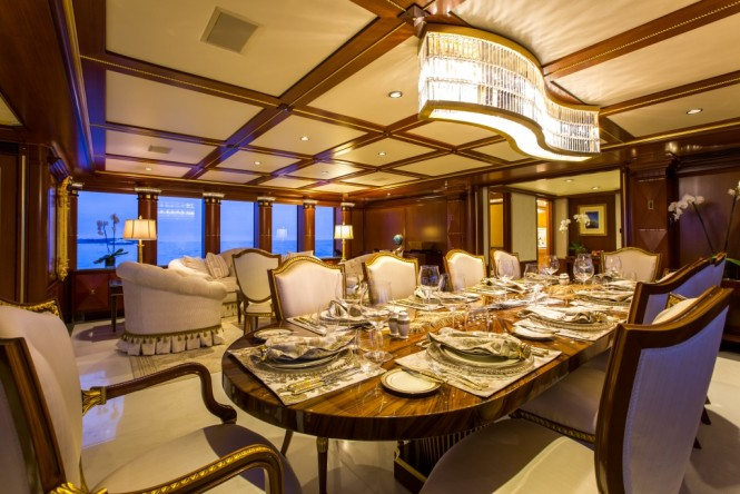 Superyacht Seanna. Formal dining