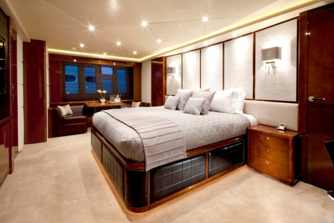 Luxury yacht LIVERNANO - Master suite
