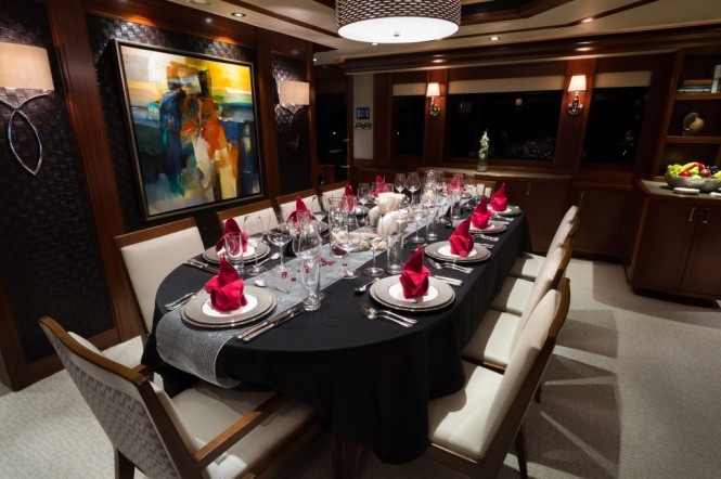 Motor yacht W - Formal dining area ready to see in the New Year