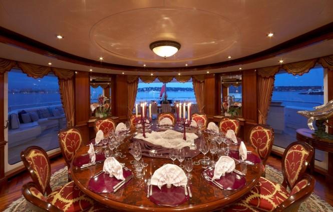 Superyacht TITANIA - Dining.
