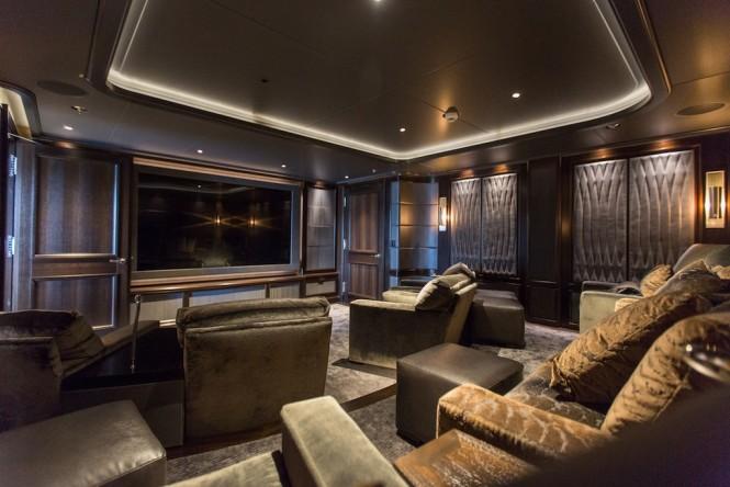 Superyacht AQUILA - Cinema