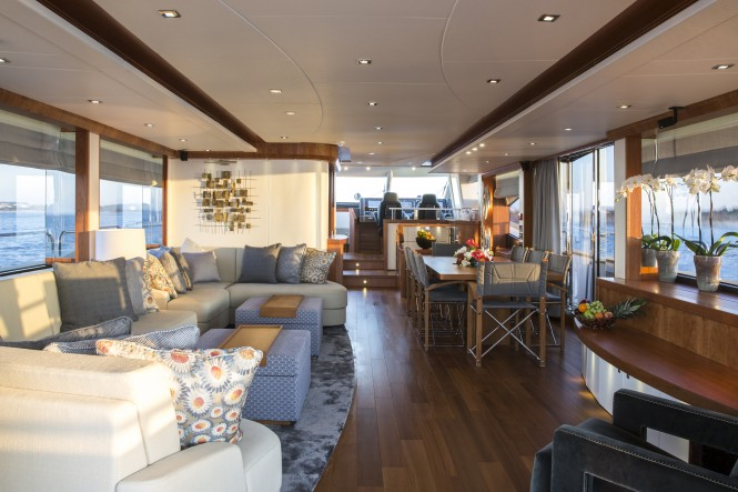 Luxury yacht PLAY THE GAME - Beautifully styled main salon