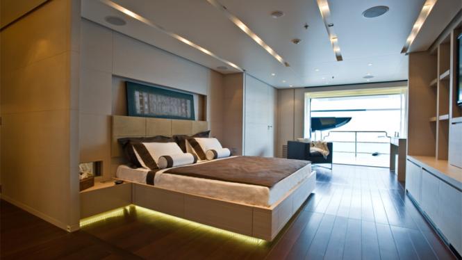 Superyacht BURKUT - Master suite