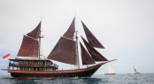 DUNIA BARU sailing yacht racing