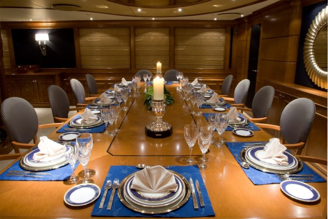 Luxury yacht INSIGNIA - Formal dining