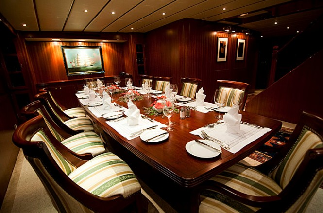 Luxury yacht NORTHERN SUN - Formal dining area