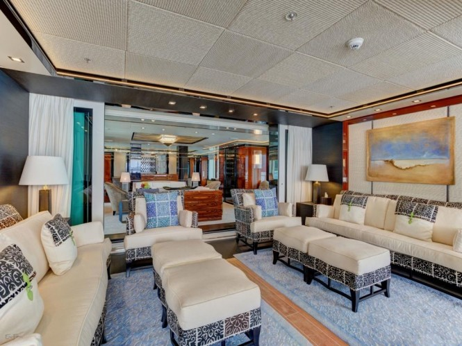 Luxury yacht PARTY GIRL - Exterior lounge and view into main salon