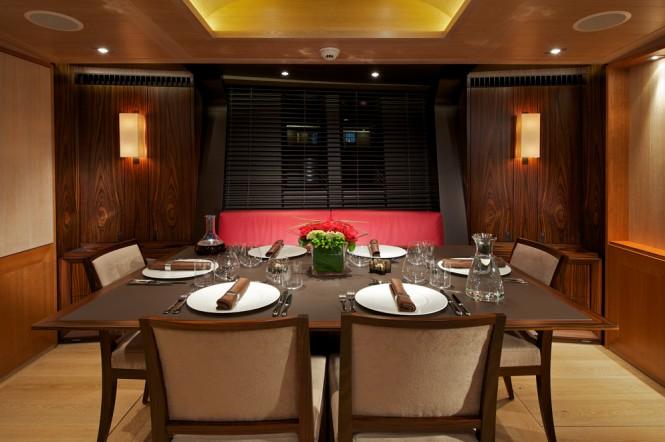 Luxury yacht SARISSA - Formal dining