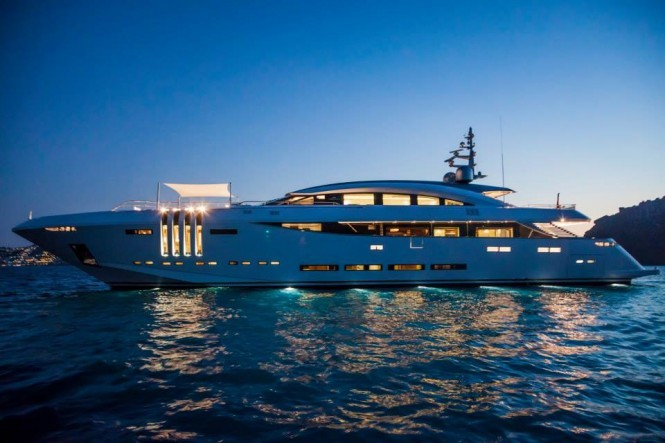 Luxury Yacht Vellmari by Rossinavi. Photo by Alberto Cocchi