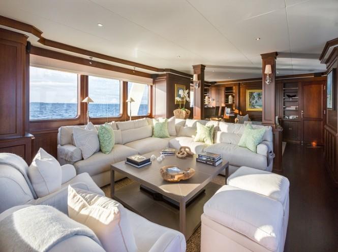 The main salon aboard superyacht PIONEER