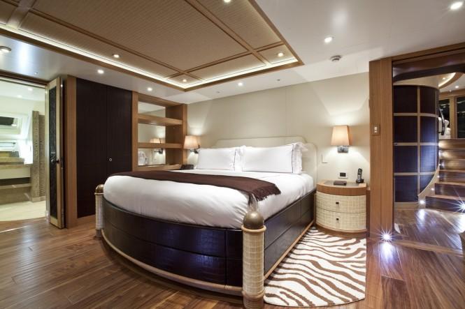 Master suite - Catamaran HEMISPHERE. Photo credit: Jeff Brown / Pendennis Shipyard