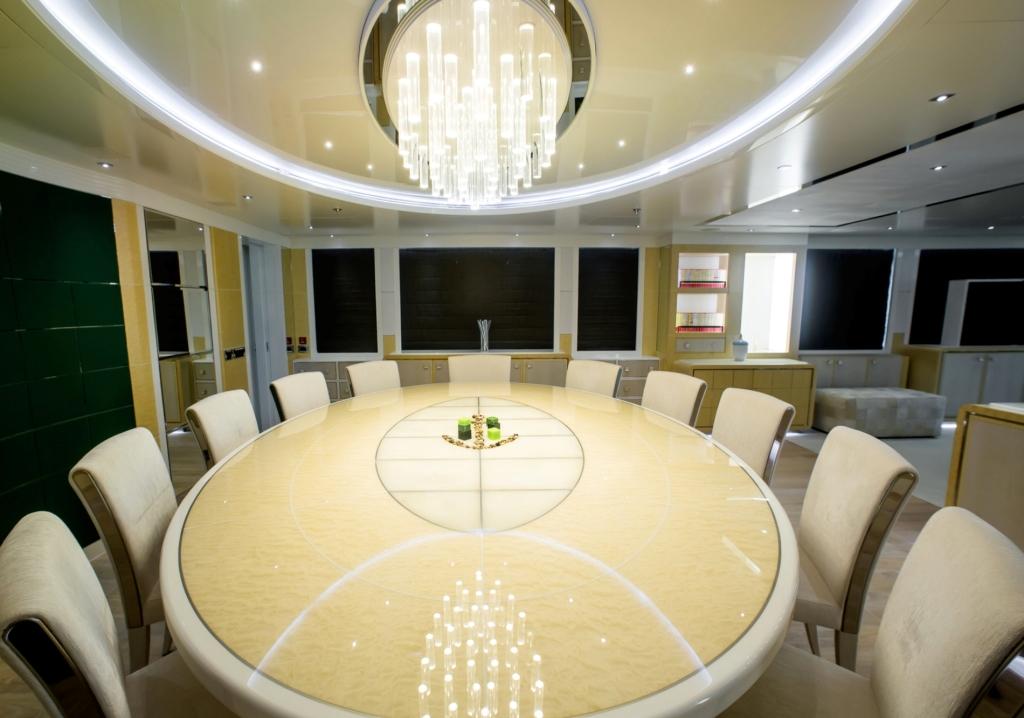 M/Y JADE - Formal dining area