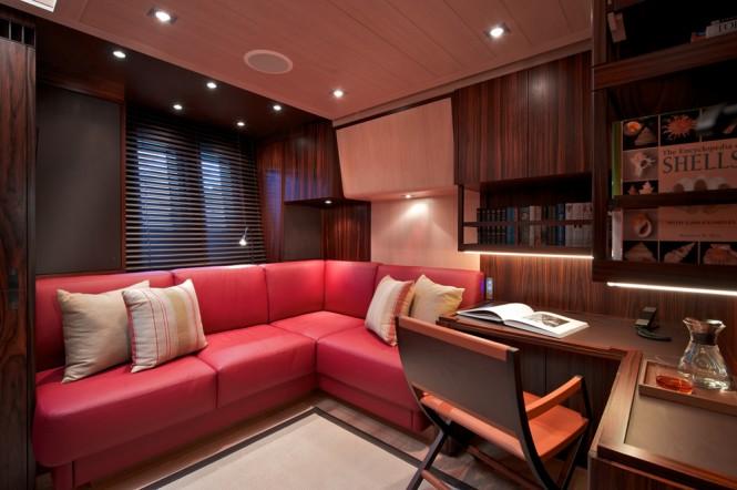 Sailing yacht SARISSA - Convertible Office