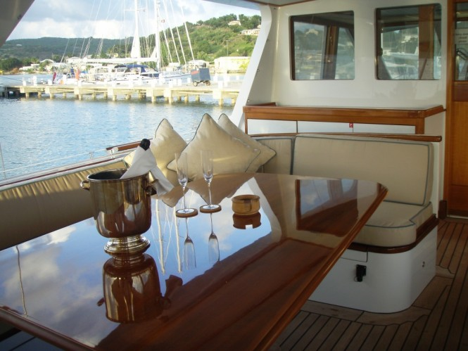 Alfresco dining aboard sailing yacht AXIA