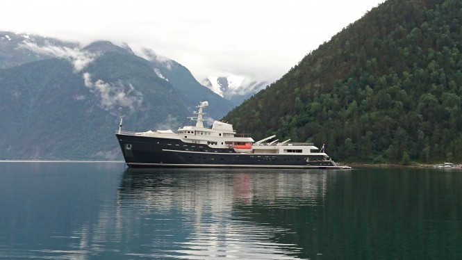 Explorer yacht LEGEND - Available in Greenland this summer