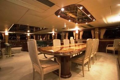 Formal dining aboard motor yacht CLOUD ATLAS