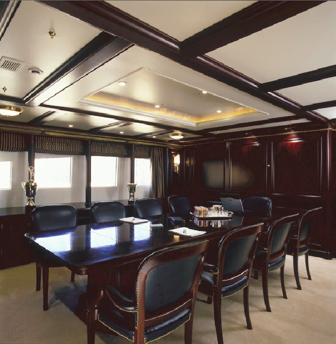 Formal dining aboard motor yacht FREEDOM