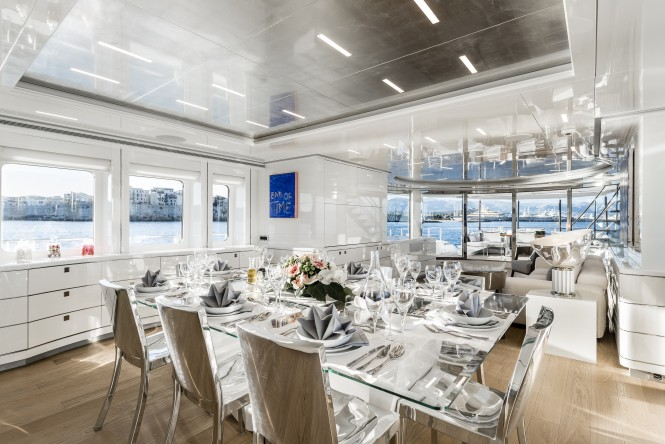 Formal dining aboard superyacht DESTINY