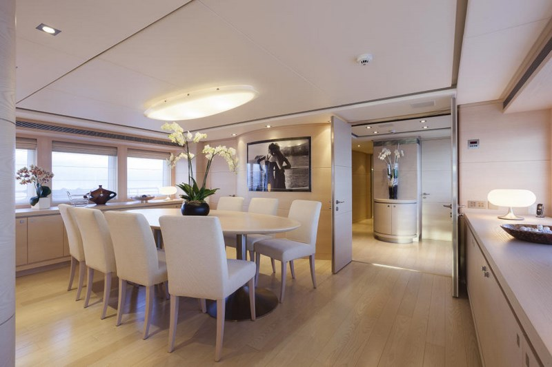 Luxury yacht g3 formal dining area yacht charter for Formal dining area