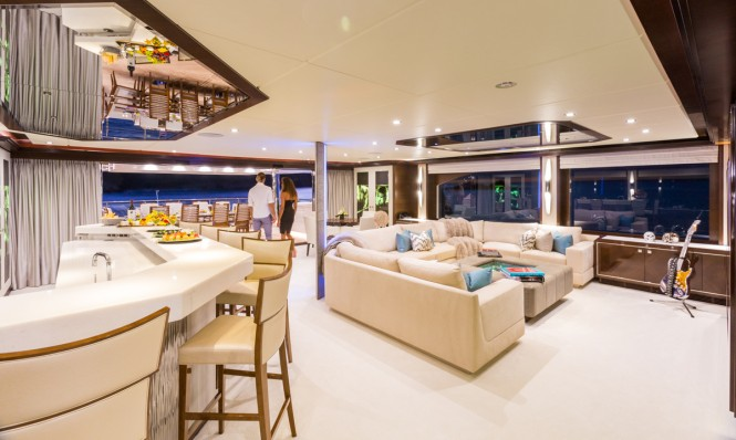 Luxury yacht KING BABY - Skylounge and bar