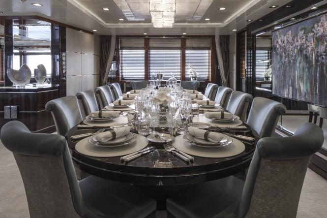 Luxury yacht TURQUOISE - Formal Dinin - Main Saloon