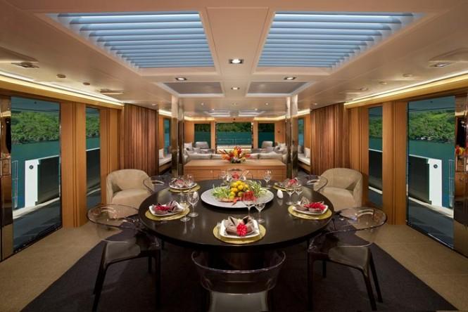 M/Y BIG FISH - Formal dining area