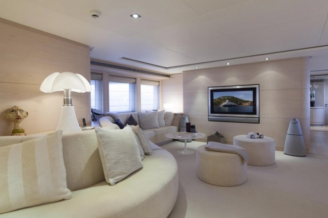 M/Y G3 - Main salon
