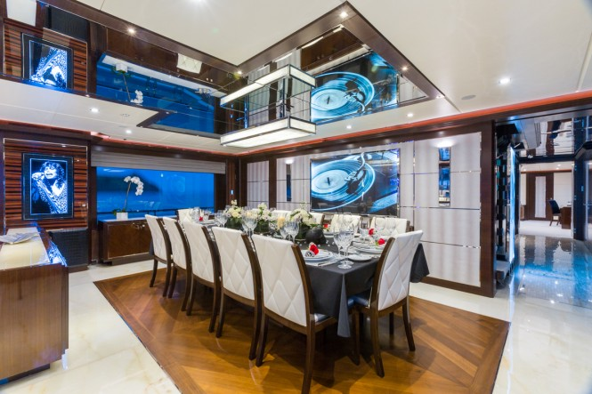 M/Y KING BABY - Formal dining