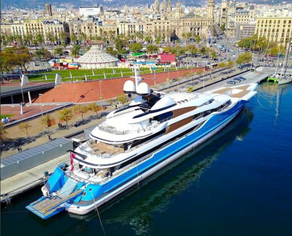 Madame Gu in Barca @daniel_lrodrigues