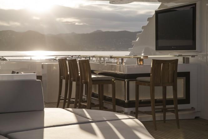 Motor Yacht TURQUOISE - Sun Deck Detail