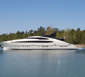 Superyacht Vantage available for South Pacific charters