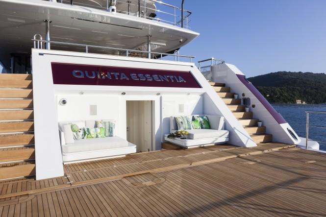 Quinta Essentia - BEACH CLUB - OPENING TRANSOM