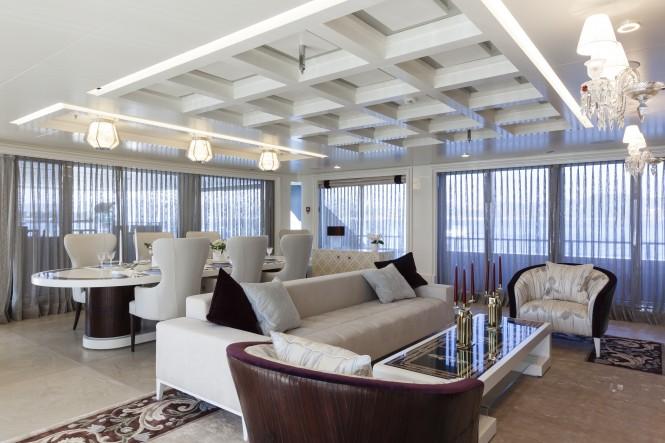 Quinta Essentia - main deck